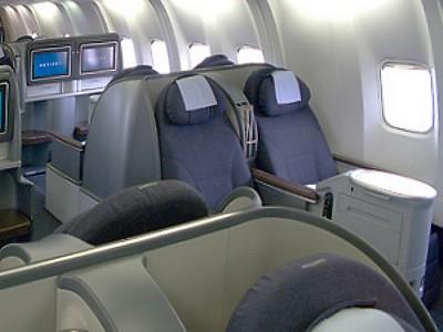 Alfa img - Show... United Airlines 777 Interior