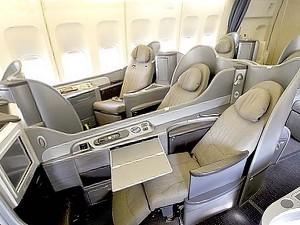 United 777 Cabi... United Airlines 777 Interior