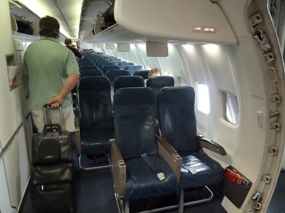 Seatguru airbus a320 delta for Delta main cabin vs delta comfort